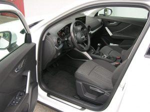 Audi Q2 Weiss 012
