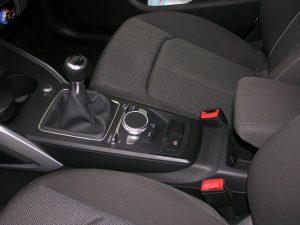 Audi Q2 Weiss 017